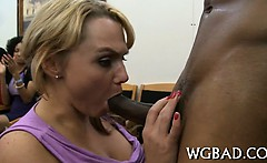 Arousing schlong engulfing session