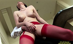 Mature milf has her pussy sucked and loves it