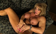 Kat Connors female bodybuilder play with her large clit