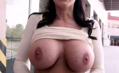 huge tits and a big ass of milf kendra lust