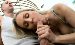 Chloe and stepmom bangs bf with bigcock