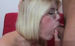 Sexy housewife orgasm squirt