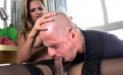 Shemale Bianca receives sensual blowjob