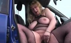 BBW In Lingerie Masturbating In The Car