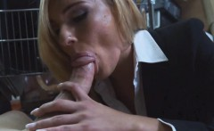 milf was moaning so loud as she got her pussy banged