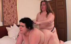 BBW lesbo brunette gets clit played with in bed