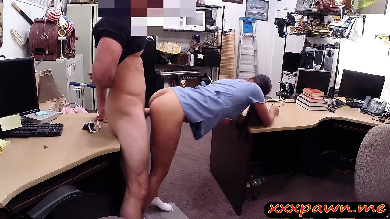skritaya-kamera-seks-s-medsestroy