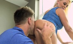 blonde cougar savannah steele gets licked and fucked