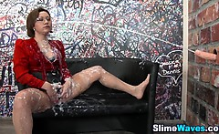 Fetish slut gets bukkake