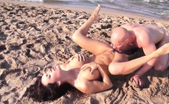 Slutty girl enjoys a good fucking on the beach