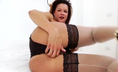 Spectacular Latina TS chick Suzy Gomes jerks her big cock