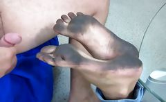 Footjob dirty feet
