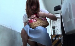 Oriental skank caught pee