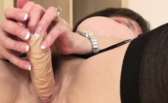Unfaithful uk mature lady sonia shows off her large jugs