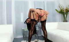 Shemale Hottie Nelly Makes Herself Cum