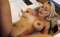 Sex Kitten Luna Star Gets Good Dicking From Stud