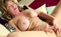 blonde american mature masturbating