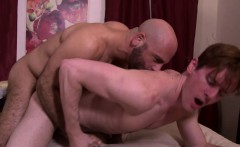 Big daddy fucking a horny college twinks tight ass