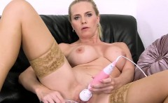 unusual czech sweetie opens up her yummy vagina to the pecul