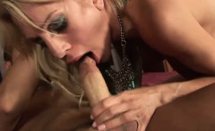 slender and inked mom gets fucked hard