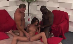 hot threesome action with olivia la roche