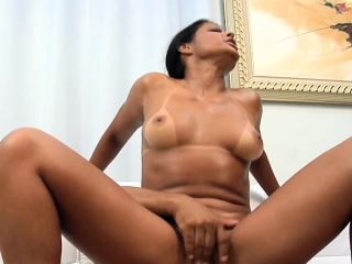 Wicked mamita from brazil prepares for oral pleasure games