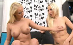 Lilith Lee gapes Jenny Simons pussy with massive dildos