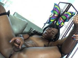 Inked ebony ts shows off her tight asshole