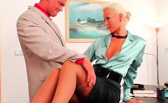 agreeable hotty knows how to take care of her man