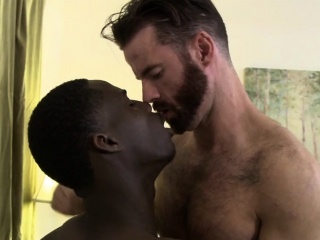 Sexy Brendan Patrick takes hot stud Drake Magnums huge cock