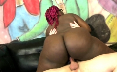 Black assed woman fucked by vanilla dick