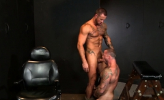 Muscular boyfriends Sean Duran and Michael Roman going deep