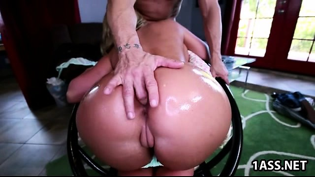 Big ass Phoenix Marie gets some cock