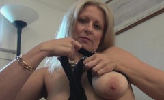 Zoey Tyler Uses a Pink Vibrator on Her Pussy