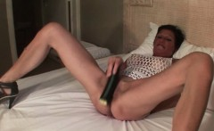 Skinny mature fucks her cunt with vegetables