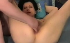 Bringing housewife Lola to an orgasm