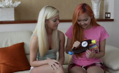 Candee Licious plays Bop It! with Harriet