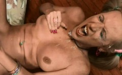 Many beautiful shemales jerks off on cam