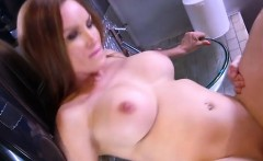foxy cougar diamond foxx gets fucked and creampied