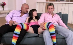 Hairypussy babe anally fucked in threeway