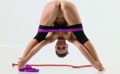 Tonya the hot gymnast makes incredible poses