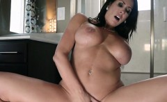 Mature Hoe Reagan Foxx Gets Boned And Facialized