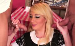 Blonde waitress double penetration