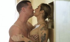 Tattooed masseuse Kleio Valentien gets banged by the cop