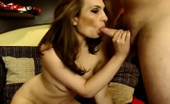 Hot Babe Loves to be Fucked in Mouth and Pussy