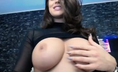 amateur sexyredfox89 flashing boobs on live webcam