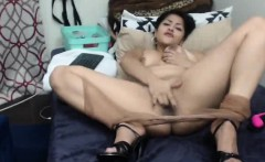 Curvy Webcam Latina Fingers Her Pussy