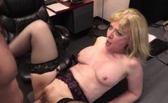 Young employee romping Nina Hartleys aged pussy hard