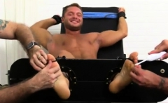 Blond gay feet and old man foot porn movie Muscular Tyrell T