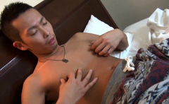 Japanese twink blows load